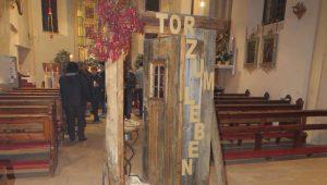 880-tarrenz-trauergottesdienst-das-tor-zum-leben-2